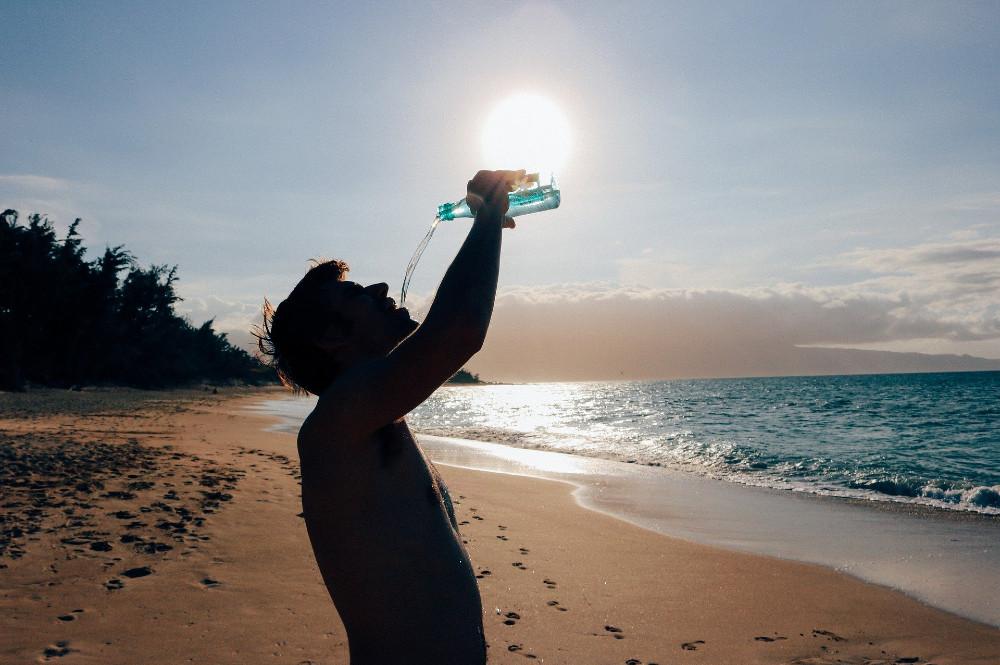 tubuh berkeringat setelah minum air putih